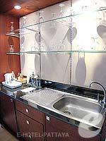 パタヤ ジョムティエンビーチのホテル : ジョムティエン パーム ビーチ(Jomtien Palm Beach)のスイート/ジョムティエン ウィングルームの設備 Simple Kitchen