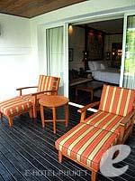 プーケット 10,000~20,000円のホテル : JW マリオット カオラック リゾート & スパ(JW Marriott Khao Lak Resort & Spa)のデラックス プールアクセスルームの設備 Balcony