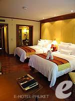 プーケット ファミリー&グループのホテル : JW マリオット プーケット リゾート&スパ(JW Marriott Phuket Resort & Spa)のデラックス プール テラスルームの設備 Bedroom