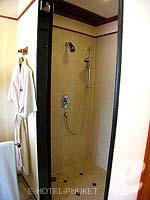 プーケット ファミリー&グループのホテル : JW マリオット プーケット リゾート&スパ(JW Marriott Phuket Resort & Spa)の1ベッドルーム スイートルームの設備 Bathroom
