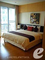 パタヤ シラチャーのホテル : カラブニング リゾート & スパ(Karabuning Resort & Spa)のスタジオ ルーム(ダブル)ルームの設備 Bedroom