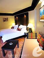 プーケット 10,000~20,000円のホテル : カタ ビーチ リゾート(Kata Beach Resort & Spa)のグランド プールアクセスルームの設備 Bedroom