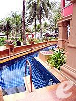 プーケット カップル&ハネムーンのホテル : カタ ビーチ リゾート(Kata Beach Resort & Spa)のグランド プールアクセスルームの設備 Direct Pool Access