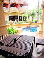 プーケット カタビーチのホテル : カタ ビーチ リゾート(Kata Beach Resort & Spa)のグランド プールアクセスルームの設備 Direct Pool Access