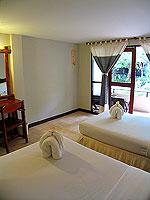 プーケット ファミリー&グループのホテル : カタ カントリー ハウス(Kata Country House)のスタンダード(ダブル)ルームの設備 Bedroom