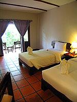 プーケット ファミリー&グループのホテル : カタ カントリー ハウス(Kata Country House)のデラックスルームの設備 Bedroom