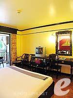 プーケット フィットネスありのホテル : カタ パーム リゾート(Kata Palm Resort & Spa)のスーペリアルームの設備 Bedroom