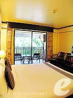 プーケット カタビーチのホテル : カタ パーム リゾート(Kata Palm Resort & Spa)のスーペリアルームの設備 Bedroom