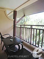 プーケット フィットネスありのホテル : カタ パーム リゾート(Kata Palm Resort & Spa)のスーペリアルームの設備 Balcony