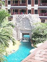 プーケット カタビーチのホテル : カタ パーム リゾート(Kata Palm Resort & Spa)のスーペリアルームの設備 View From Balcony