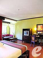 プーケット カタビーチのホテル : カタ パーム リゾート(Kata Palm Resort & Spa)のデラックスルームの設備 Bedroom