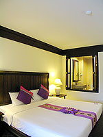 プーケット カタビーチのホテル : カタ プールサイド リゾート(Kata Poolside Resort)のデラックス(シングル)ルームの設備 Bedroom