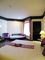 プーケット ファミリー&グループのホテル : カタ プールサイド リゾート(Kata Poolside Resort)のデラックス(シングル)ルームの設備 Bedroom