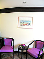 プーケット カタビーチのホテル : カタ プールサイド リゾート(Kata Poolside Resort)のデラックス(シングル)ルームの設備 Relax Area