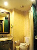 プーケット カタビーチのホテル : カタ プールサイド リゾート(Kata Poolside Resort)のデラックス(シングル)ルームの設備 Balcony