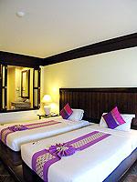 プーケット カタビーチのホテル : カタ プールサイド リゾート(Kata Poolside Resort)のデラックス (ツインベット)ルームの設備 Bedroom