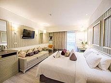 プーケット ビーチフロントのホテル : カタタニ プーケット ビーチ リゾート(1)のお部屋「デラックス プール(ブリウィング)」