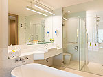 プーケット ビーチフロントのホテル : カタタニ プーケット ビーチ リゾート(Katathani Phuket Beach Resort)のグランド デラックス(ブリウィング)ルームの設備 Bath Room