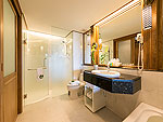 プーケット ビーチフロントのホテル : カタタニ プーケット ビーチ リゾート(Katathani Phuket Beach Resort)のジュニア スイート(Thani Wing)ルームの設備 Bath Room