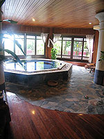 Jacuzzi : Khaolak Palm Beach Resort, Fitness Room, Phuket