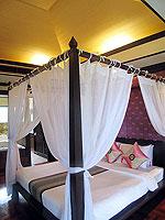 プーケット カップル&ハネムーンのホテル : カオラック パーム ビーチ リゾート(Khaolak Palm Beach Resort)のデラックス ジャグジールームの設備 Bedroom