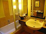 プーケット カップル&ハネムーンのホテル : カオラック メルリン リゾート(Khaolak Merlin Resort)のスーペリア(シングル)ルームの設備 Bathroom