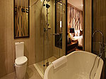 プーケット カップル&ハネムーンのホテル : カオラック メルリン リゾート(Khaolak Merlin Resort)のデラックス(シングル)ルームの設備 Bath Room