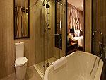 プーケット カップル&ハネムーンのホテル : カオラック メルリン リゾート(Khaolak Merlin Resort)のデラックスルームの設備 Bath Room