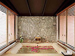 プーケット ヴィラコテージのホテル : センタラ シービュー リゾート カオ ラック(Centara Seaview Resort Khao Lak)のビーチウィング デラックス プール ビラルームの設備 Bathroom