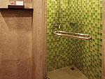 プーケット ヴィラコテージのホテル : センタラ シービュー リゾート カオ ラック(Centara Seaview Resort Khao Lak)のデラックス 2ベッドルーム ファミリー レジデンスルームの設備 Bathroom