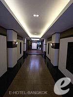 Corridor : Khaosan Park Resort, Palace Khaosan, Phuket