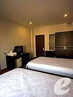 バンコク ファミリー&グループのホテル : カオサン パーク リゾート(Khaosan Park Resort)のツインルームの設備 Bedroom