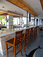 Poolside Bar : Koh Tao Montra Resort & Spa, Pool Villa, Phuket