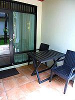 プーケット カオラックのホテル : ラ フローラ リゾート & スパ カオラック(La Flora Resort & Spa Khao Lak)のスタジオルームの設備 Balcony