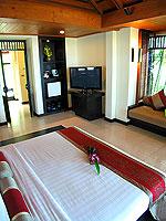 プーケット カオラックのホテル : ラ フローラ リゾート & スパ カオラック(La Flora Resort & Spa Khao Lak)のビーチフロント ヴィラルームの設備 Bedroom