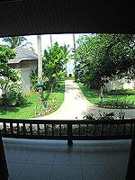 プーケット カオラックのホテル : ラ フローラ リゾート & スパ カオラック(La Flora Resort & Spa Khao Lak)のジャグジー ヴィラルームの設備 Terrace