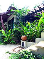 プーケット カオラックのホテル : ラ フローラ リゾート & スパ カオラック(La Flora Resort & Spa Khao Lak)のジャグジー ヴィラルームの設備 Entrance