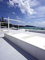 [Surface Bar] / La Flora Resort Patong, หาดป่าตอง