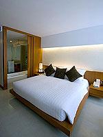 プーケット パトンビーチのホテル : ラ フローラ リゾート パトン(La Flora Resort Patong)のデラックス プールアクセスルームの設備 Bedroom