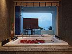プーケット パトンビーチのホテル : ラ フローラ リゾート パトン(La Flora Resort Patong)のシービュー スイートルームの設備 Bath room