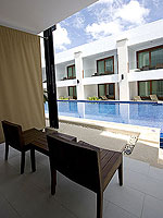 プーケット パトンビーチのホテル : ラ フローラ リゾート パトン(La Flora Resort Patong)のビーチフロント プール ヴィラルームの設備 Pool Access
