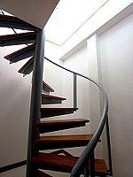 プーケット パトンビーチのホテル : ラ フローラ リゾート パトン(La Flora Resort Patong)のビーチ グランド プール ヴィラ 1ベッドルームの設備 Stairs