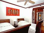 プーケット バンタオビーチのホテル : ラ ヴィラ ルージュ(La Villa Rouge)の4ベッドルームルームの設備 Second Bedroom