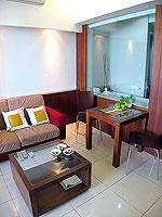 パタヤ シラチャーのホテル : レムトン サービス アパートメント(Laemtong Serviced Apartment)の1ベッド ルームルームの設備 Living Room