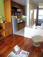 パタヤ シラチャーのホテル : レムトン サービス アパートメント(Laemtong Serviced Apartment)のプレミア 1ベッド ルームルームの設備 Living room