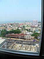 パタヤ シラチャーのホテル : レムトン サービス アパートメント(Laemtong Serviced Apartment)のプレミア 1ベッド ルームルームの設備 View from Window