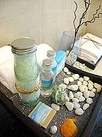 パタヤ シラチャーのホテル : レムトン サービス アパートメント(Laemtong Serviced Apartment)のプレミア 1ベッド ルームルームの設備 Bath Amenities