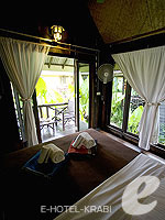クラビ サービスヴィラのホテル : ランタ キャストアウェイ ビーチ リゾート(Lanta Castaway Beach Resort)のガーデン バンガロールームの設備 Room View