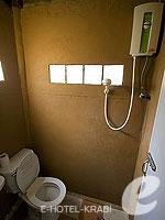 クラビ サービスヴィラのホテル : ランタ キャストアウェイ ビーチ リゾート(Lanta Castaway Beach Resort)のガーデン バンガロールームの設備 Bath Room