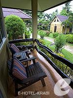 クラビ サービスヴィラのホテル : ランタ キャストアウェイ ビーチ リゾート(Lanta Castaway Beach Resort)のトロピカル ダゼ ルームルームの設備 Terrace